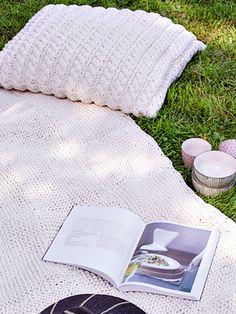 Palmikkoneuletyynynpäällinen Novita Tuubi | Novita knits
