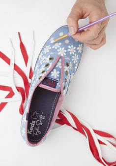 Transform Your Keds with These 6 Unbelievably Easy DIYs - Hold onto your painter's tape. We're about to take your summer sneaker style to new heights with these six easy DIYs. Painted Canvas Shoes, Painted Sneakers, Hand Painted Shoes, Keds Shoes, On Shoes, Me Too Shoes, Sharpie Shoes, Moda Sneakers, Creative Shoes