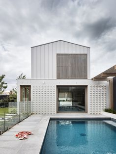 BBW House by Tecture - Project Feature - Architectural Cues in Materiality & Symmetry - The Local Project Melbourne Architecture, Residential Architecture, Interior Architecture, Interior Modern, Small Modern Home, Facade House, House Exteriors, House Design, House Styles