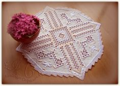 Hardanger Embroidery, Cross Stitch Embroidery, Needful Things, Needlework, Elsa, Arts And Crafts, Crochet Hats, Lace, Pattern