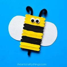 Cute and easy DIY Bee Puppets for kids. Fun insect craft for kids, spring kids craft, summer kids craft and bee craft for kids. Bee Crafts For Kids, Popsicle Stick Crafts For Kids, Recycled Crafts Kids, Spring Crafts For Kids, Popsicle Sticks, Craft Stick Crafts, Toddler Crafts, Craft Ideas, Craft Sticks