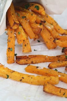 A low calories and low carb alternative to french fries. These Butternut Squash Fries are a perfect way to get your fussy eaters eating more veg! Also anti-inflammatory!