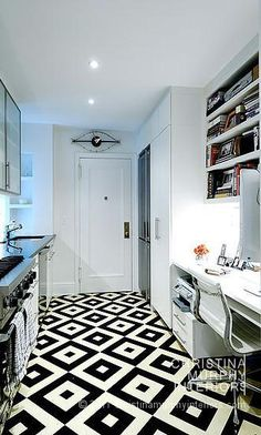 Graphic floor pattern, black and white, B&W, Christina Murphy Interiors