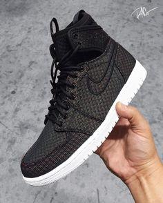 Jordan Brand Adds Sleeve Design to the Air Jordan 1 - EU Kicks: Sneaker Magazine Jordan 1, Jordan Shoes, Jordan Retro, Neon Nike Shoes, Hypebeast, Add Sleeves, Sneaker Magazine, Fresh Shoes, Hype Shoes