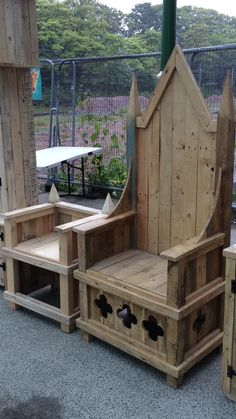 Combine our Coronation - style throne with a matching garden set to create a perfect area to enjoy your garden or patio. Due to the materials used each one is unique. We make these using recycled wood - mostly a combination of pallets and fenceposts. The inspiration of the throne comes from seeing how the Dumbledore Throne in the Hogwarts Great Hall seems to be based on the Coronation Chair in Westminster Abbey (sometimes referred to as King Davids Throne). The design of this has been to…