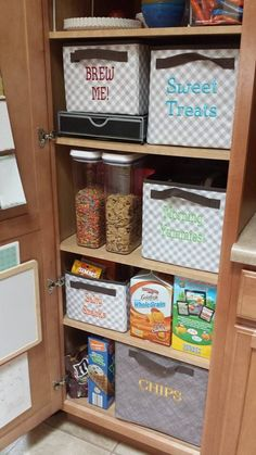 Your Way Rectangles, Your Way Cubes, and Your Way Junior Cubes from Thirty-One Gifts work great for organizing your pantry!