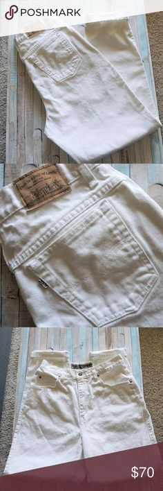 """Levi's 900 Series Rare Vintage White Jeans Size 12 Levi's 900 Series Vintage Rare White High Waisted Mom Jeans Size 12 The it jeans of the 80""""s very high waisted, taped leg, flattering fit They run a bit small In great condition,  100% cotton Light small yellow spots & a brown minuscule thread as shown in the last picture   Waist: 14"""" 1/2 Front rise: 12"""" Thigh: 13"""" Inseam 31"""" Cuff: 7""""  •Feel free to ask any questions! :) •Reasonable offers considered •Not looking to trade •The…"""