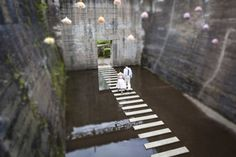 remarkable and beautiful wedding picture of bride and groom - by Hanna Witte, wedding photographer from Cologne