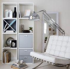 ¡Organiza tu salón con estilo! Combina las baldas abiertas con puertas y cajones para conseguir almacenar a tu gusto.