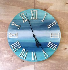 This handmade clock is a 30 Rustic Wood Wall Beach Clock. It is created from cedar fence lumber, stained with special walnut to give it some Diy Clock, Clock Decor, Homemade Clocks, Wood Fence Design, Wall Clock Wooden, Cool Clocks, Rustic Wood Walls, Wall Clock Design, Ocean Colors