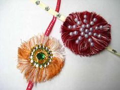 Rakhi making at home is very lovely for all the girls. After all, Rakhi is the festival of brothers and sisters. Learn here how to make Rakhi at home. Rakhi Gifts Brother, Diy Jewelry, Beaded Jewelry, Jewellery, Handmade Rakhi Designs, Rakhi Making, Indian Crafts, Arts And Crafts, Diy Crafts