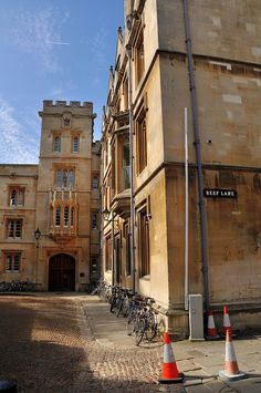 beautifuloxford: Pembroke College, Oxford by philny on Flickr