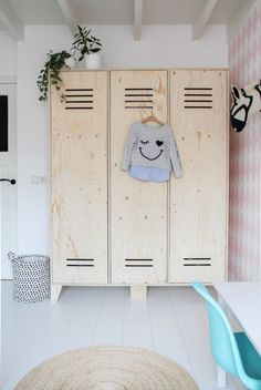 Untouched wooden lockers as cabinets for clothes in bedroom Plywood Furniture, Kids Furniture, Wooden Lockers, Maids Room, Kids Room Design, Kid Spaces, Wooden Diy, Boy Room, Kids Bedroom