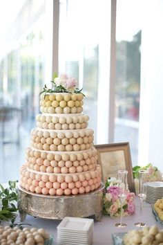 The cake ball tower!  Super pretty and a great way to avoid the ever daunting cake cutting fee!