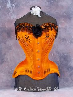Creations l'Escarpolette 1907 style corset This was perhaps my favourite corset ever and if Joyce ever started making corsets and taking orders again, this is what I'd order. To me it is everything I love in a corset.