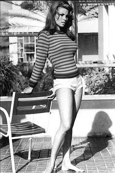 raquel welch 70s | In 1971, extremely brief, tight-fitting shorts, called hot pants, were ...