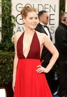 2014 Golden Globe Awards: Amy Adams wore a Lorraine Schwartz pendant, earrings and ruby rings #GoldenGlobeAwards #AmyAdams #LorraineSchwartz #ruby #diamonds