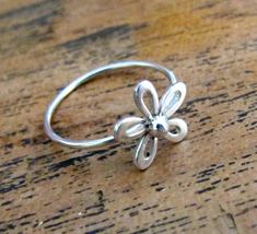 Daisy Ring Sterling Silver, Silver Flower Stackable Rings - Thin Silver Band
