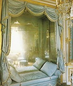 marie antoinette's private salon - the Meridienne room.