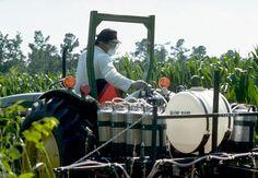 farmworker-pesticide-application