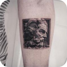 Tatouage fait par chez Sinners Inc - Danemark. Tattoos 3d, Kunst Tattoos, Love Tattoos, Beautiful Tattoos, Body Art Tattoos, Small Tattoos, Tatoos, Zeus Tattoo, Tattoo You