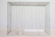 The exhibition devoted to Junya Ishigami's work at thearc en rêve in Bordeaux depicts an unusual architectural display, light and fragile, where small art pieces are lined on 8 white tables.