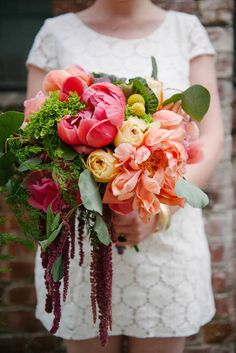 10 Gorgeous Oversized Wedding Bouquets | Intimate Weddings - Small ...