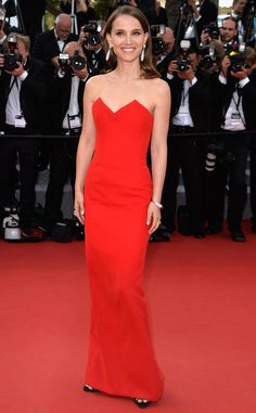 Natalie Portman, is red hot and beautiful in this Dior gown!