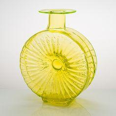 "Helena Tynell, ""Solflaskan"" Riihimäen Lasi Oy. I produktion 1964-1974. - Bukowskis Glass Design, Design Art, Modern Contemporary, Retro Vintage, Vase, Home Decor, Decoration Home, Room Decor, Vases"