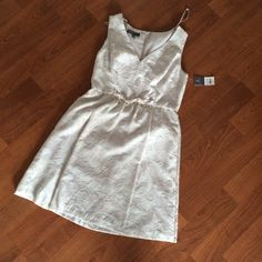 Donna Ricco white/gray dress with jewel accents Gorgeous light gray/white sleeveless dress by Donna Ricco. Jewel accents on waistline. Knee-length Donna Ricco Dresses