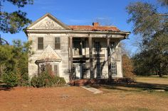 Abandoned mansion in Sycamore, Turner County, Georgia.