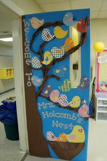 Kindergarten and Elementary Back To School Door Display and Bulletin Board Idea... so cute!