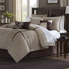 This Full size 7-Piece Bed in a Bag Comforter Set in Beige Khaki Brown is a must buy for those who would love to add an elegant yet stylish touch to their room decor. It can be the perfect accent for