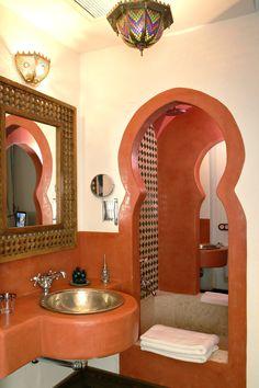 Hotel Alcoba del Rey de Sevilla -    Tel. 954 91 58 00 -  Email: info@alcobadelrey.com -  Web: www.alcobadelrey.com -    Calle Becquer nº 9, Sevilla, España - Spain