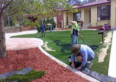 Step by step synthetic lawn installation Laying Artificial Grass, Artificial Grass Installation, Synthetic Lawn, Yard Ideas, Baseball Field, Home Improvement, Fill, Home And Garden, Outdoors