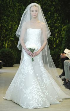 """Velo de novia catedral en organza de seda de Carolina Herrera  - Mas velos en nuestro nuevo Board """"Velos de Novia"""" #casarcasar"""