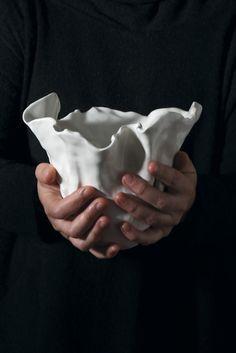 Cálice, porcelain by Beatriz Horta Correia