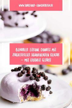Blaubeer Zitrone Donuts mit zuckerfreier Schokoladen Glasur gesüßt mit ErythritGanz neu im Sortiment und sooo lecker! Unsere Lower Carb* Donuts - kohlenhydratreduziert*! Bestell jetzt gleich deine 2er Box mit leckeren Blaubeer Zitrone Donuts mit Pastell-Lila Schokoladenglasur!Die Donuts sind wunderbar fluffig und haben eine köstliche Glasur aus zuckerfreier weißer Schokolade.Die Donuts lassen sich auch wunderbar einfrieren. Jetzt bestellen! Low Carb Backen, Low Carb Desserts, Coleslaw, Donuts, Brownies, Breakfast, Food, Pastel Purple, Waffles