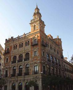 El regionalismo en #Sevilla. En los detalles está gran parte de la auténtica belleza de la ciudad  HM