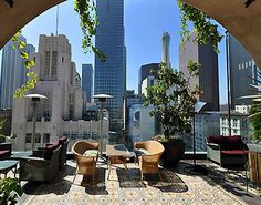 This terrace bar overlooks downtown's Pershing Square, the home of several prime examples of classic L.A. architecture including the art deco building it tops.