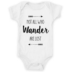 Body de bebê NOT ALL THOSE WHO WANDER ARE LOST de @dudielariz | Colab55