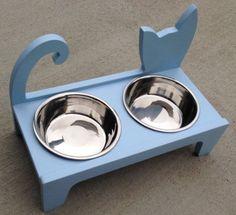 Elevated Cat feeder от WoodAndMoreDesigns на Etsy