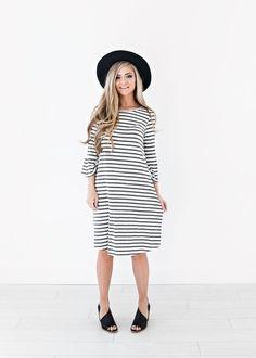 Sandy Bell Striped Dress, wide brim hat, jessakae, fashion, style, hair, blonde hair, wavy hair, fall fashion, winter fashion, sweater, makeup, stripes