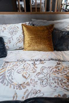 Bringe mit diesem Bett das Gefühl von Geborgenheit in dein Schlafzimmer. Bed, Nature, Home, Cutlery Set, Bed Frame, Bedroom, Naturaleza, Stream Bed, Ad Home