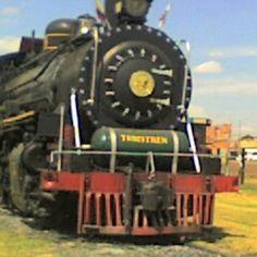 """Tren de la sabana en #Cajica #Cundinamarca #Bogota #Colombia #turisTIC #SocialTravel #Landmarked #InstagramYourCity #Instagram @CundinamarcaTw @Laguiacundi @cafeobague"" by @juanpabloardila"