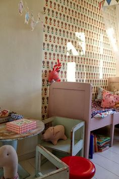 the boo and the boy: eclectic kids' rooms / lots of wonderful kid rooms. this one, to start with. Very 40's.