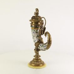 porcelán/bronz magasság 52,7cm szélesség 29,2cm mélység 17,5cm Több ezer termékek található a dekovilag.hu vagy decosite.com honlapon. Tel:06307560118