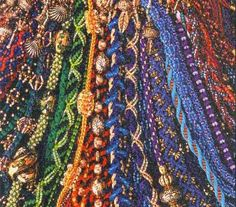 Weir Crafts - Kumihimo: Disks, Marudai, free online instruction, books, jewelry kits and findings for braiding.