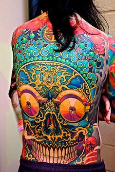 'Big Teeth' by Ed London Photography - technicolor back piece tattoo OMG!  Hardly loooks real!!!