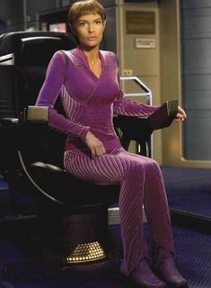 This article is not available - Custom made to fit Star Trek Enterprise Pol evenly. Sewn in bra for best fit I& going to buy - Star Trek Enterprise, Star Trek Voyager, Star Trek Kostüm, Star Trek Tv Series, Star Trek Cast, Enterprise Nx 01, Star Trek Original Series, Star Trek Ships, Star Trek Cosplay